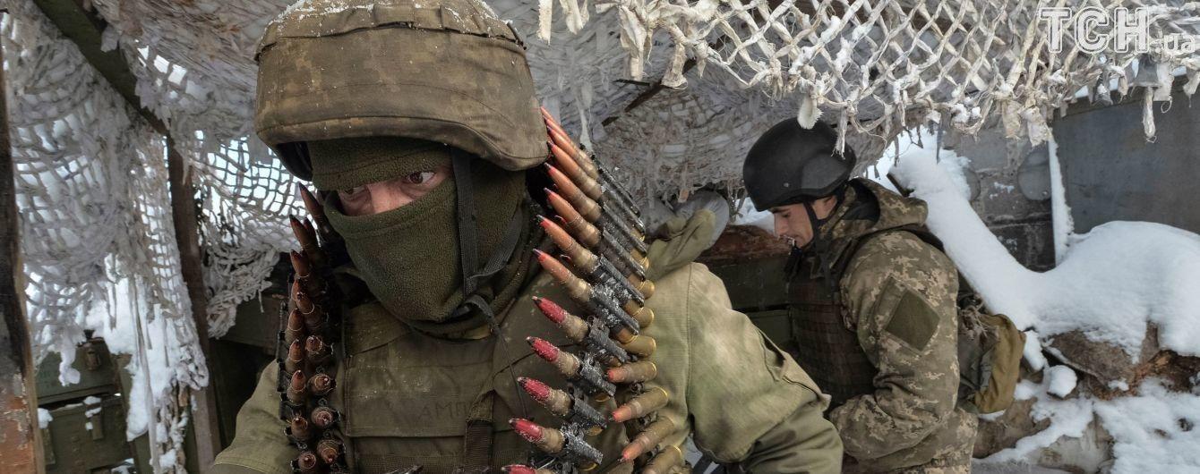 П'ять обстрілів і поранений військовий. Як минула доба на Донбасі