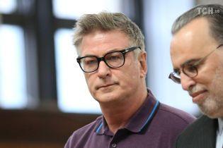 Суд висунув Алеку Болдвіну обвинувачення через бійку на парковці