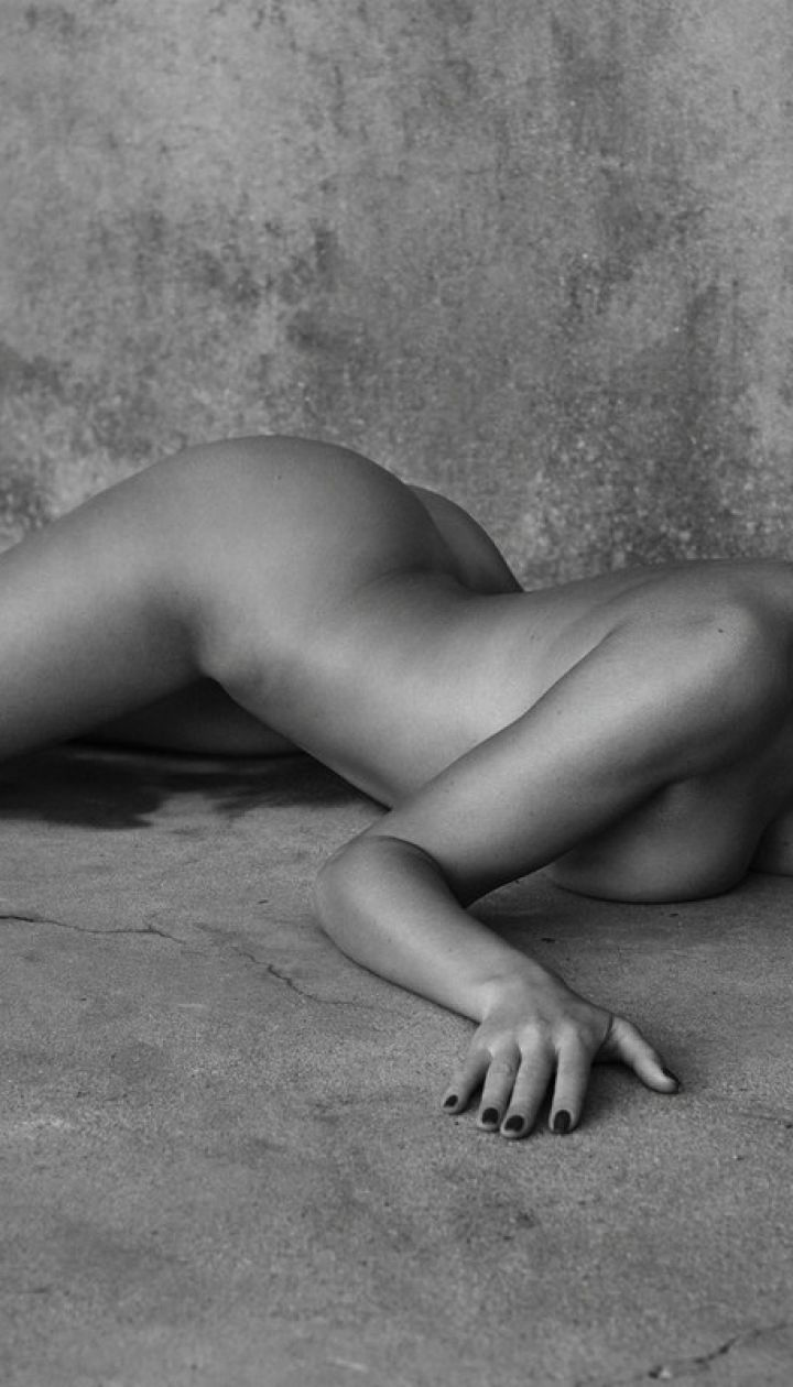 Kourtney kardashian sexy pictures, pale nude asia