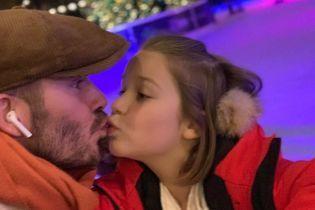 Самый лучший папа: Дэвид Бекхэм сходил с дочерью на каток
