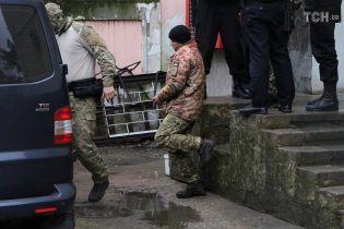 Украинский консул опроверг информацию об ампутации пальцев у моряков - Денисова