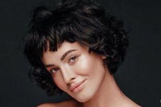 Оголена Даша Астаф'єва показала природну красу у ніжній фотосесії