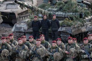 Боєготовність військових і ревізія бомбосховищ: 10 областей України готуються до воєнного стану