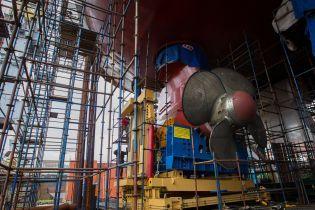 В России пожар на строящемся ледоколе тушили более 100 человек, есть пострадавшие