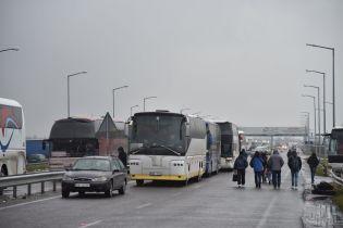 Пункты пропуска на границе со Словакией до сих пор остаются заблокированными