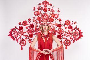 """Розкішна """"Міс Україна Всесвіт"""" представить країну у неймовірній сукні-""""дереві"""" з мальвами"""