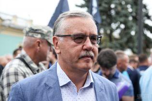 В Одесі близько 30 людей в масках напали на Гриценка та однопартійців, є постраждалі