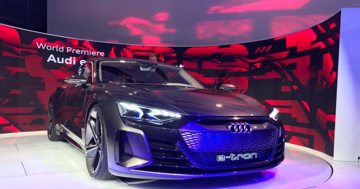 Автосалон у Лос-Анджелесі 2018: електрокар Audi e-tron повністю розсекречений