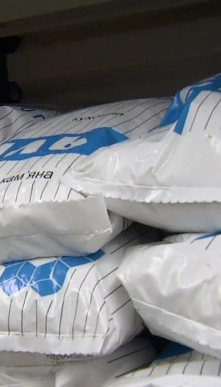 Закончилась ли соль: ТСН проверила полки украинских магазинов