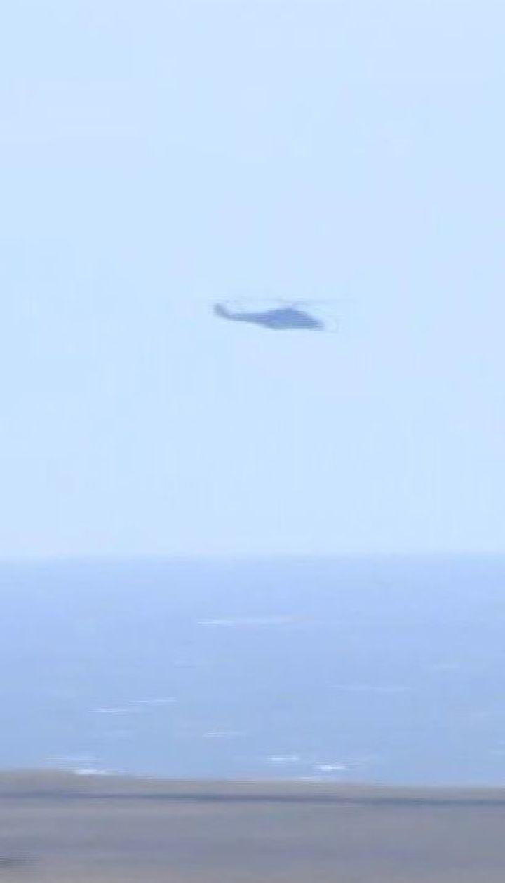 Морський десант та атака з неба: біля Маріуполя проходять військові навчання