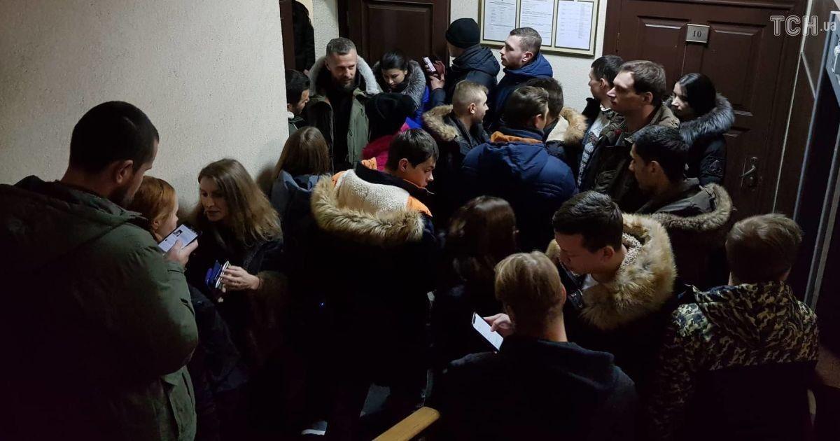 На засідання прийшли журналісти та молодь @ Фото Івана Гребенюка/ТСН