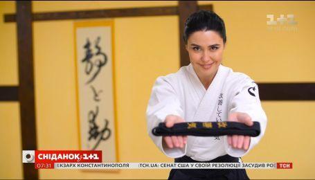 Людмила Барбир стала первой в Украине телеведущей, которая получила черный пояс по боевому искусству