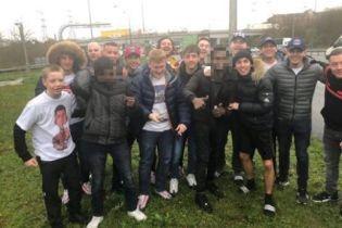 """Двоє біженців пробралися до автобуса фанатів """"Ліверпуля"""" та приїхали з ними до Англії"""