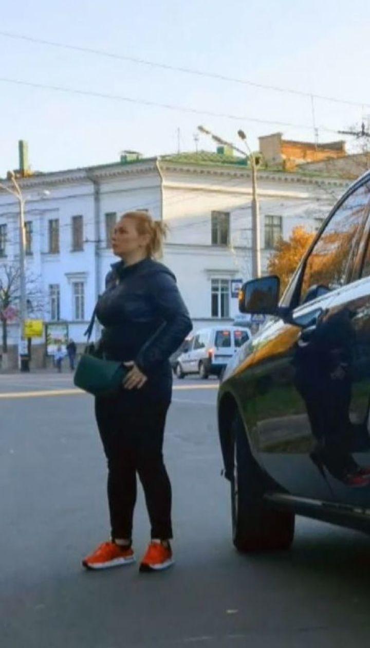 В центре Полтавы внедорожник на пешеходном переходе сбил подростка