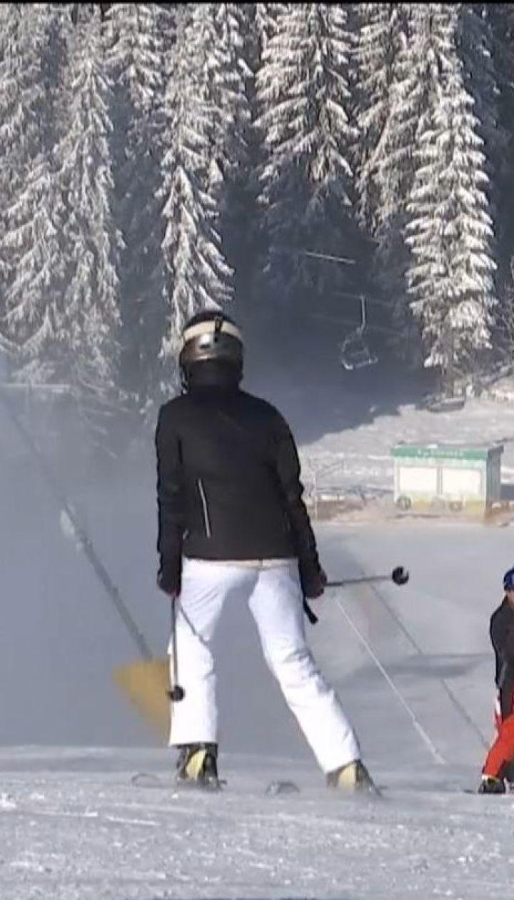 В Буковели начался лыжный сезон