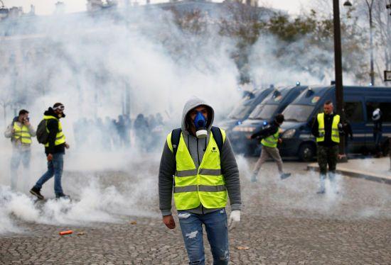 У Франції під час масштабних протестів загинула ще одна людина