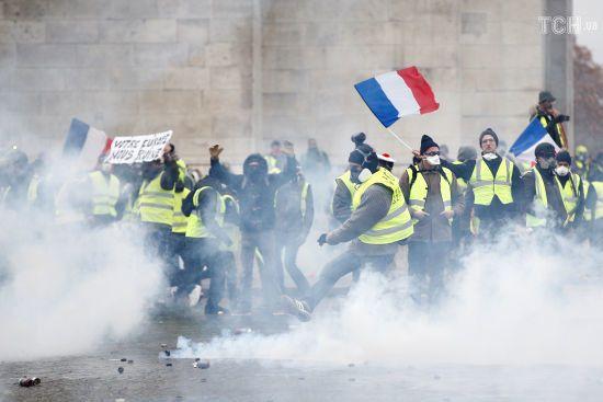 Матч Чемпіонату Франції перенесений через масові протести в Парижі