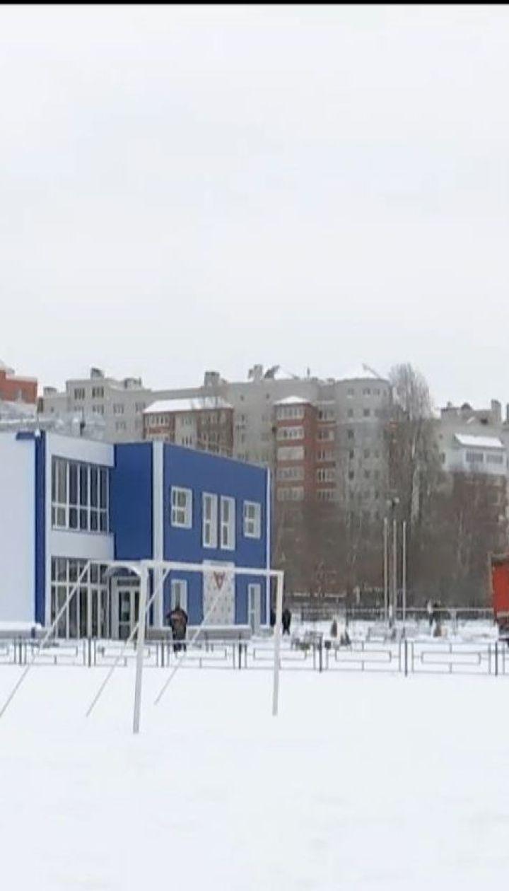 На Киевщине обрушилась крыша спорткомплекса