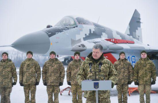 Порошенко заявив про необхідність збільшення військ союзників у Чорному морі