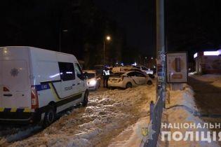В Киеве психически больной зарезал двух женщин и выбросился из окна