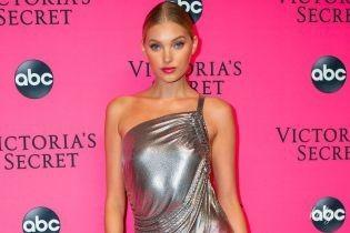 В блестящем платье и без лифчика: Эльза Хоск на вечеринке Victoria's Secret
