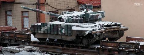 Reuters показал фото украинской техники в порту Мариуполя