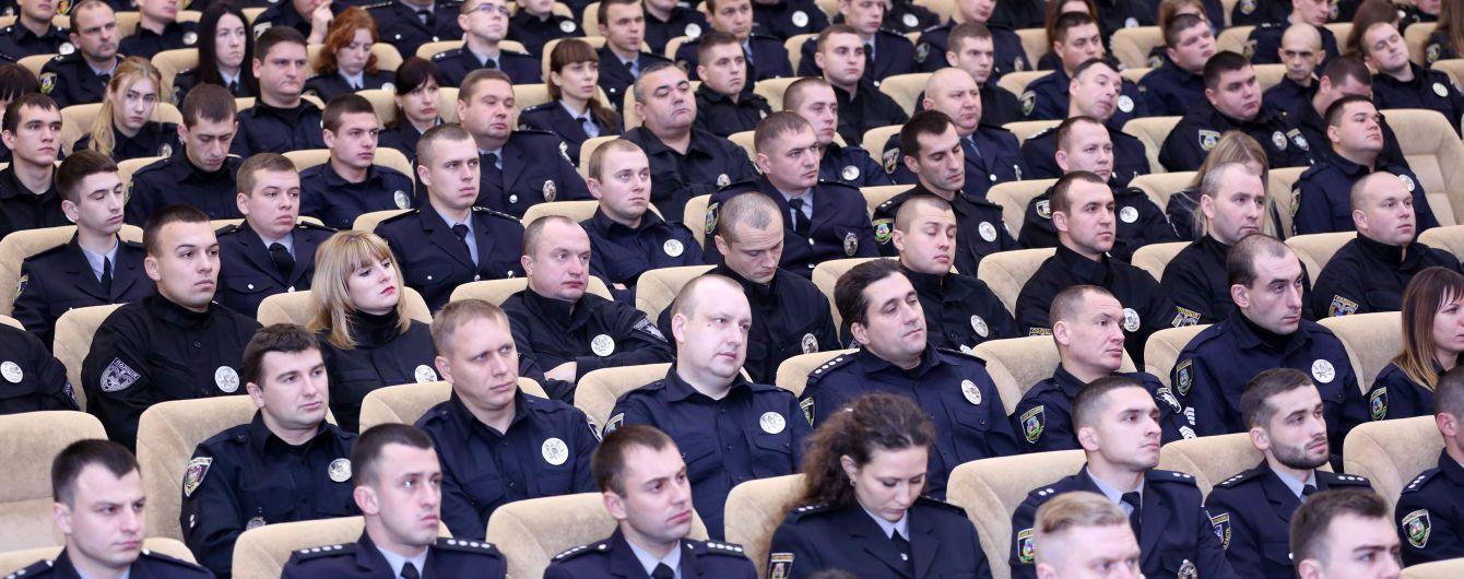 З 1 січня поліцейським підвищать зарплату на 30% і почнуть компенсувати оренду житла - Аваков