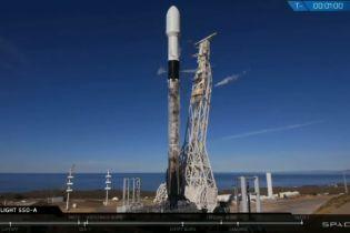 SpaceX вперше запустила ракету з першим ступенем, який вже двічі використовувався