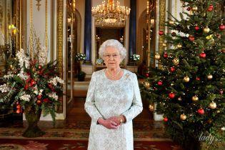 Це дуже красиво: Букінгемський палац вже прикрасили до Різдва