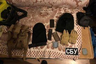 На Київщині викрили банду, яка під виглядом СБівців грабувала елітні автомобілі