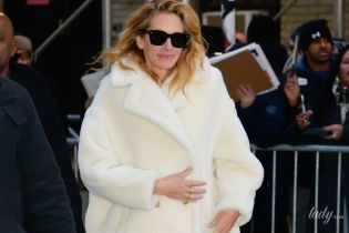 В роскошной шубе и колготах в сетку: эффектная Джулия Робертс посетила телестудию в Нью-Йорке