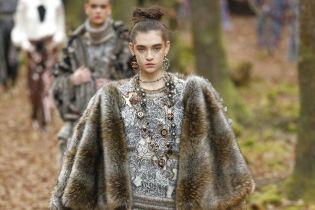Больше никогда: Chanel отказался использовать натуральный мех и кожу экзотических животных