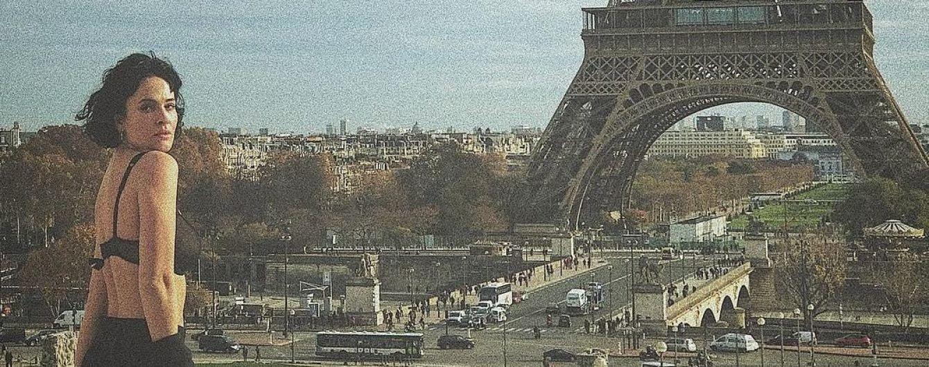 Соблазнительная Даша Астафьева в белье на фоне Парижа и мемы на безумную прическу российского сенатора. Тренды Сети