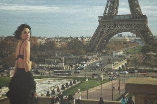 Спокуслива Даша Астаф'єва в білизні на тлі Парижа і меми на шалену зачіску російської сенаторки. Тренди Мережі