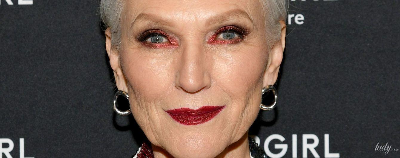В блестящем жакете и с насыщенным макияжем: 70-летняя Мэй Маск продемонстрировала яркий образ