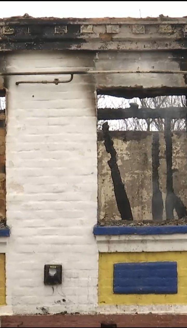 На Черниговщине семья из шести человек осталась без крыши над головой из-за пожара