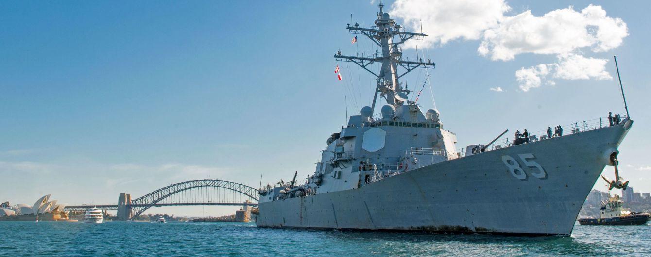 Американский эсминец бросил вызов России и проплыл возле спорного залива в Японском море