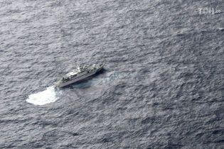 На месте падения двух самолетов у берегов Японии нашли живым еще одного американского военного