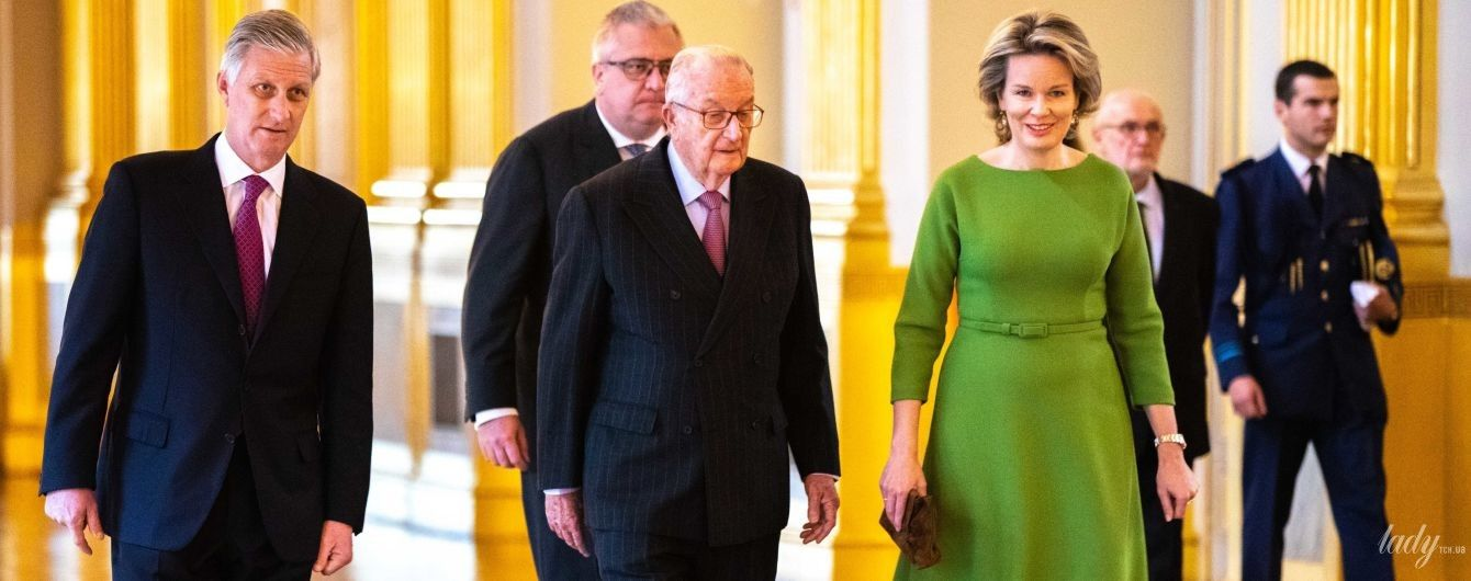 Невероятно элегантна: королева Матильда в красивом зеленом платье на мероприятии в королевском дворце