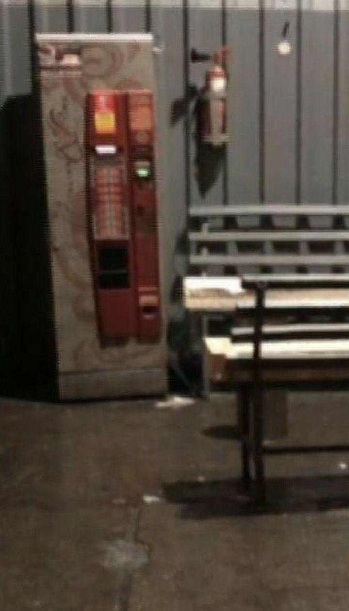 Стрілянина у харківському супермаркеті: охоронець застрелив відвідувача з ножем