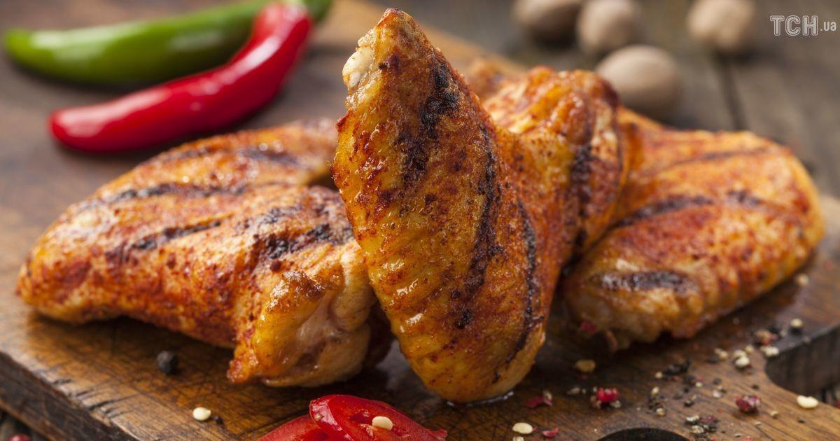 Курка без гормонів, свіжий хліб та непрострочені солодощі. Як розпізнати якісні продукти