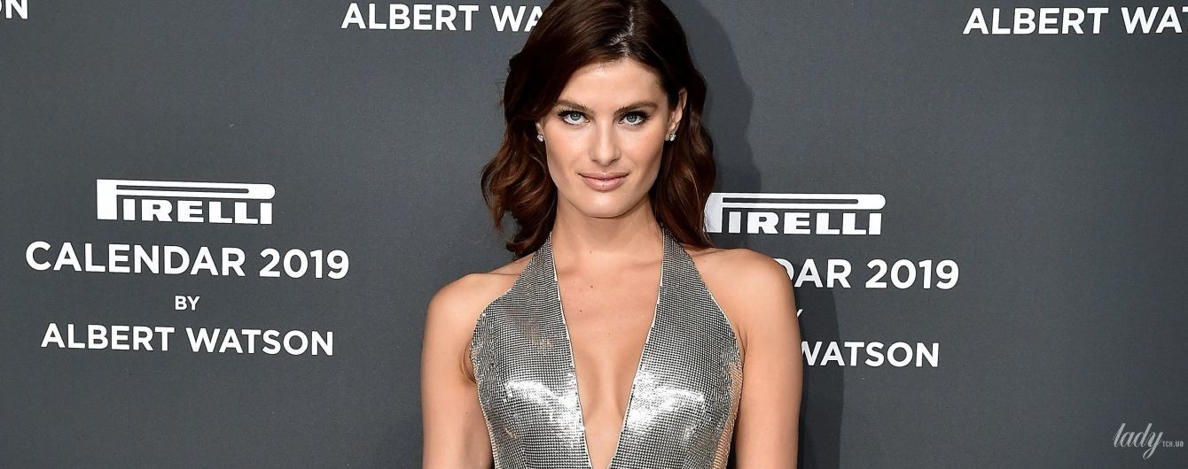 Блестящий выход: Изабели Фонтана в откровенном платье цвета металлик сходила на вечеринку