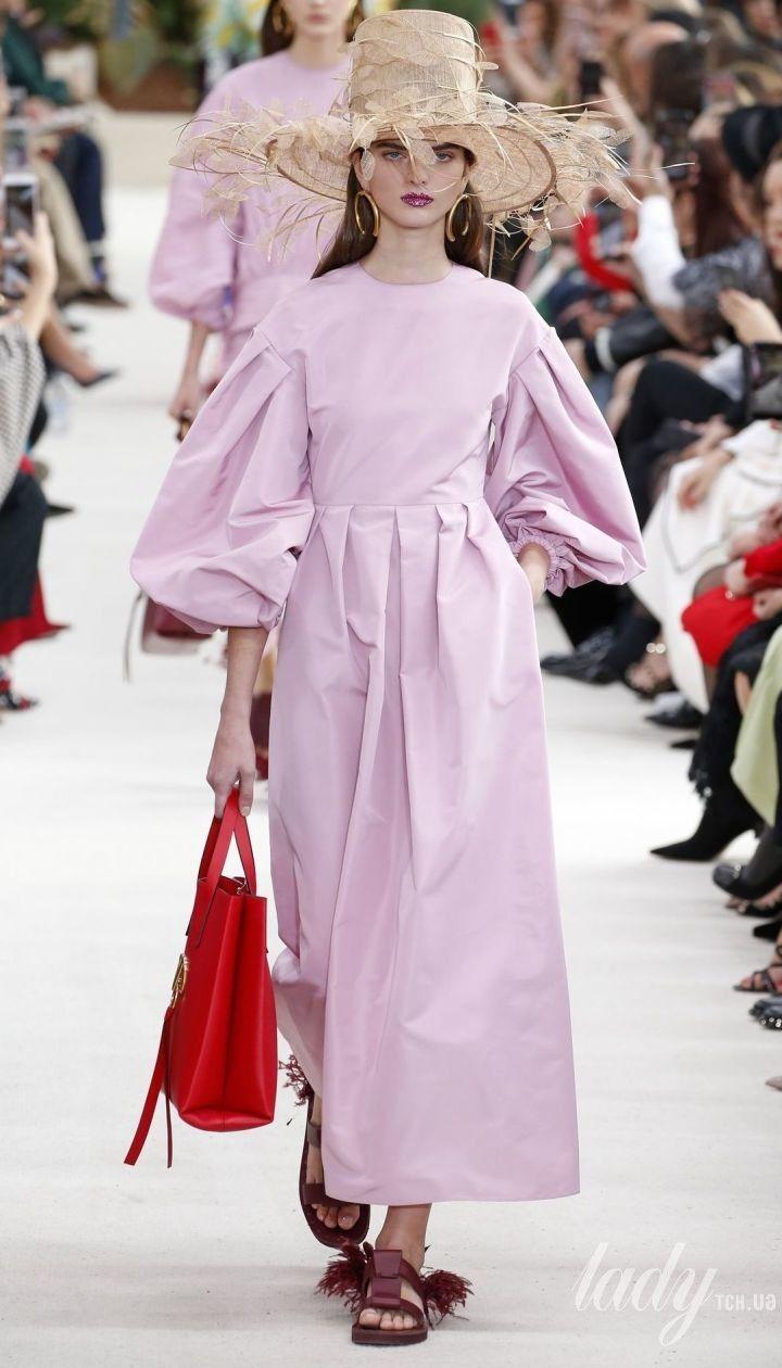 Колекція Valentino прет-а-порте сезону весна-літо 2019 @ East News