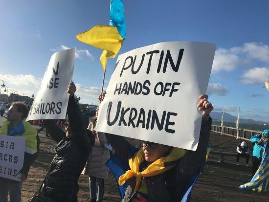 Климкин сообщил, что в Москве украинские консулы посещают раненых моряков ВМС