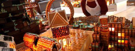 """В Британии создали огромный """"город"""" из рождественских пряников"""