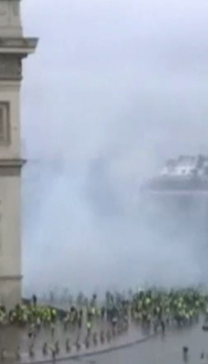 У Парижі тимчасово закривають Ейфелеву вежу та Лувр через акції водіїв, обурених цінами на пальне