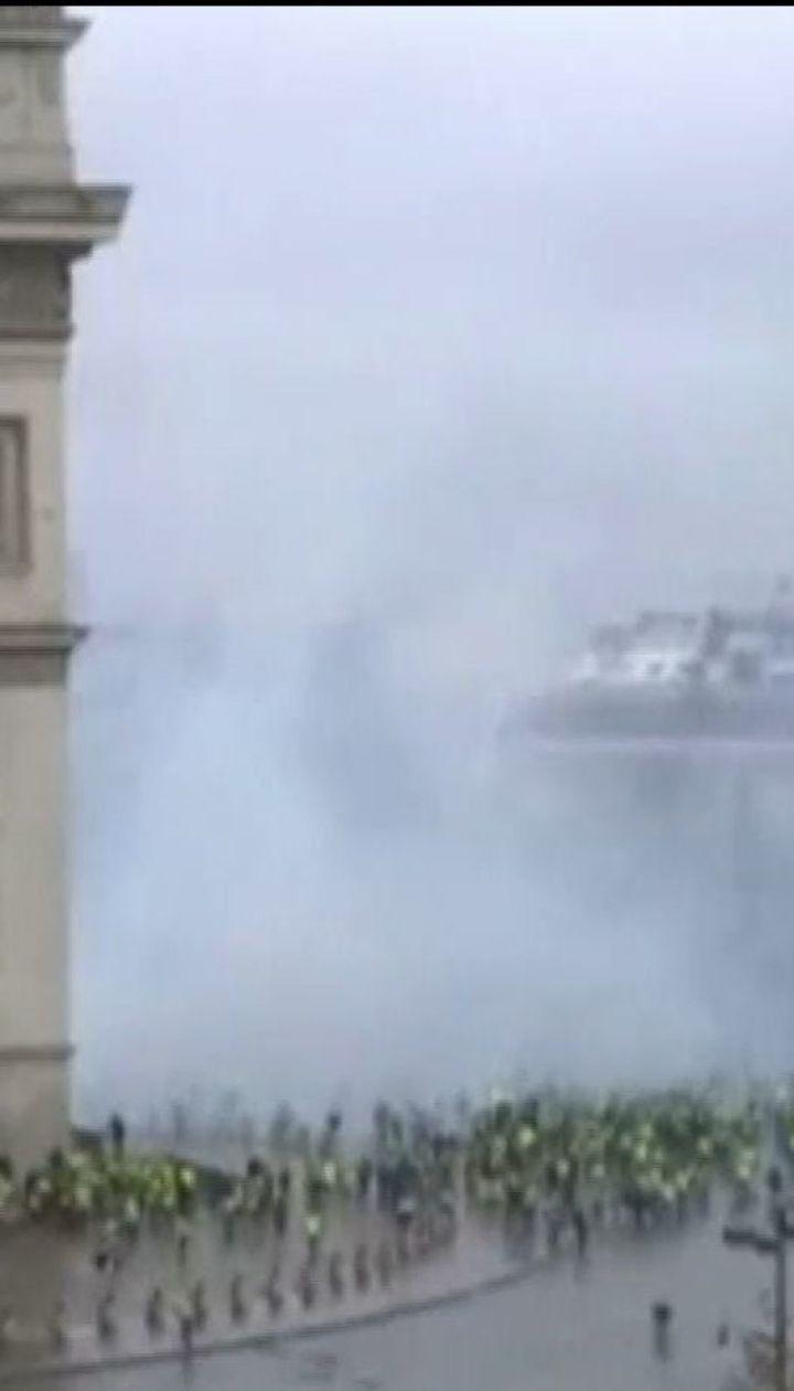 В Париже временно закрывают Эйфелеву башню и Лувр через акции водителей, возмущенных ценами на топливо
