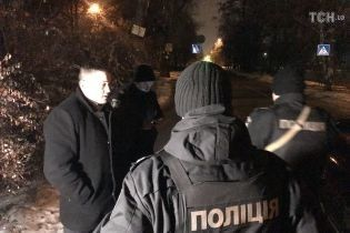 Подозреваемый-беглец среди ночи приехал к Голосеевскому суду и позвонил полиции