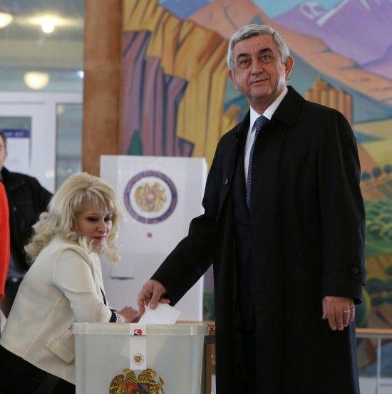У Вірменії розпочалися позачергові парламентські вибори