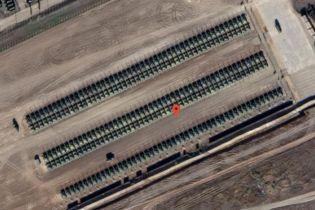 На супутникових знімках зафіксували сотні танків РФ біля кордону з Україною